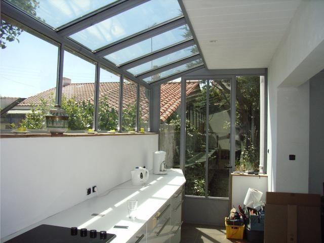 veranda verriere pr sentation de verri re v randa en acier id es maison pinterest v randas. Black Bedroom Furniture Sets. Home Design Ideas