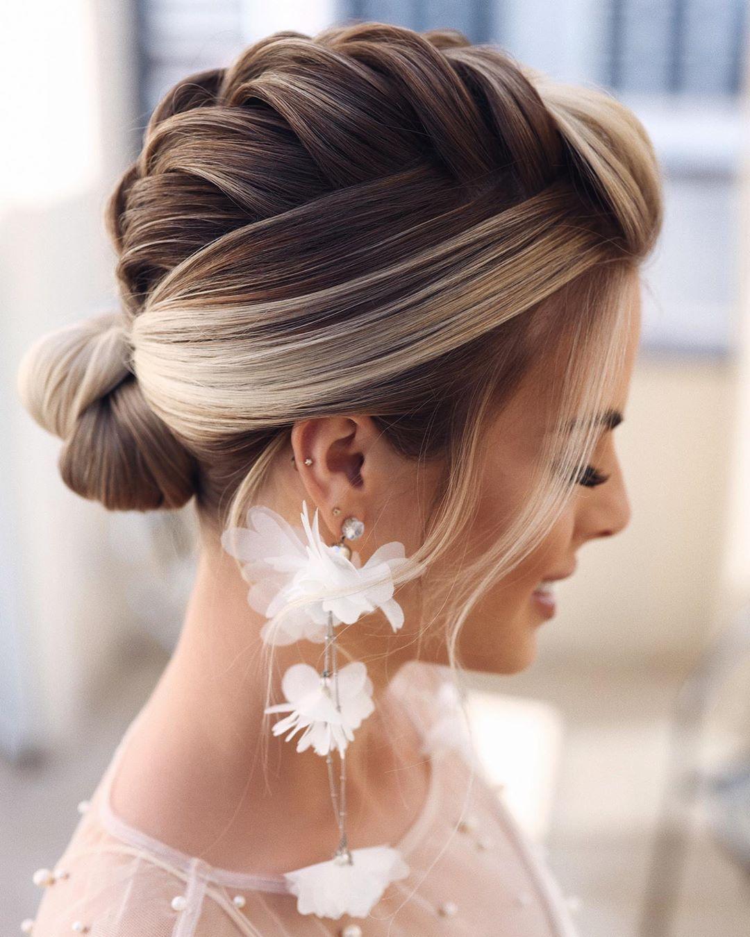 Meus Queridos Seguidores Brasileiros Estou Muito Feliz Em Anunciar O Inicio Da Venda Da Minha Long Hair Wedding Styles Shot Hair Styles Long Hair Styles
