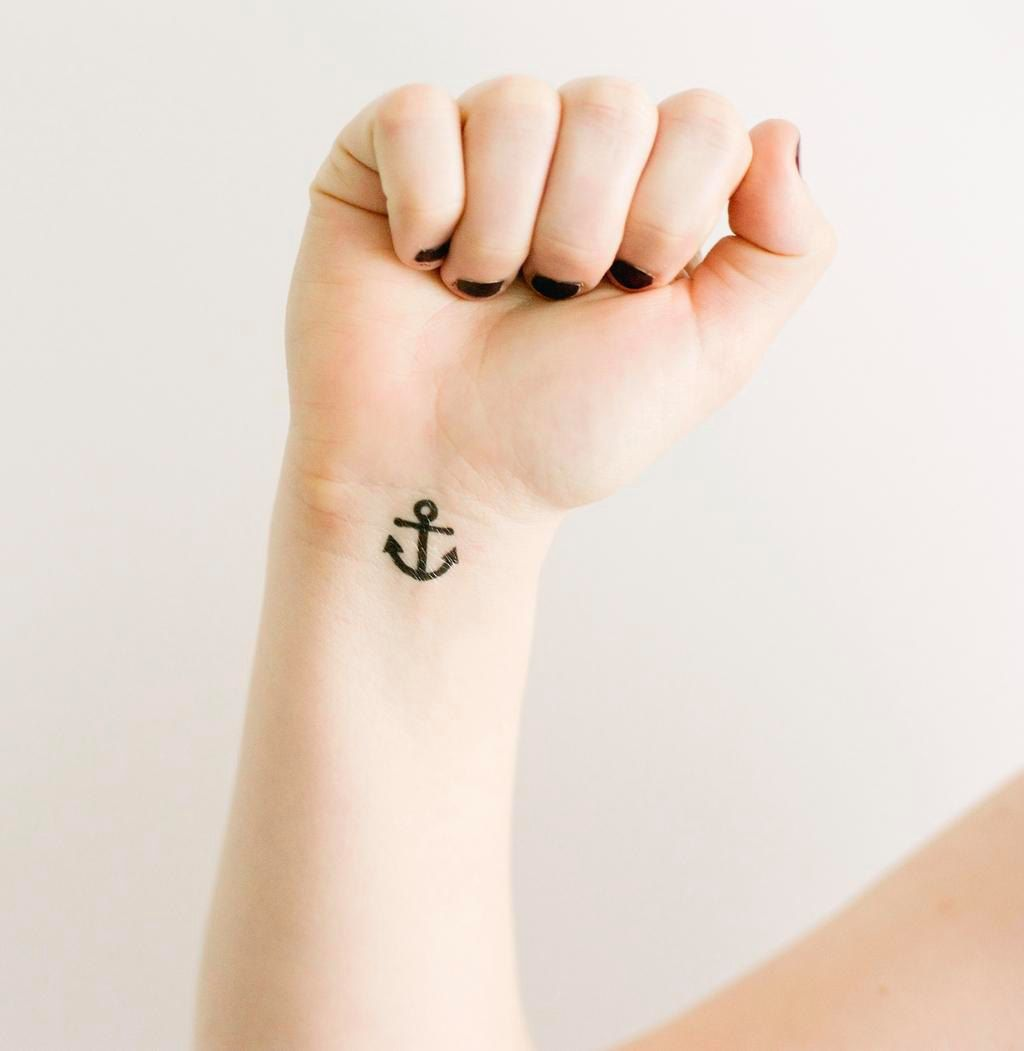 20 Temporary Tattoos To Spoil Your Skin With Artisticmoods Com Simple Henna Tattoo Cute Henna Tattoos Small Henna Tattoos