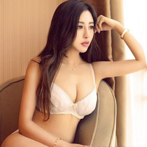 Hot brunette pornstar sex gif