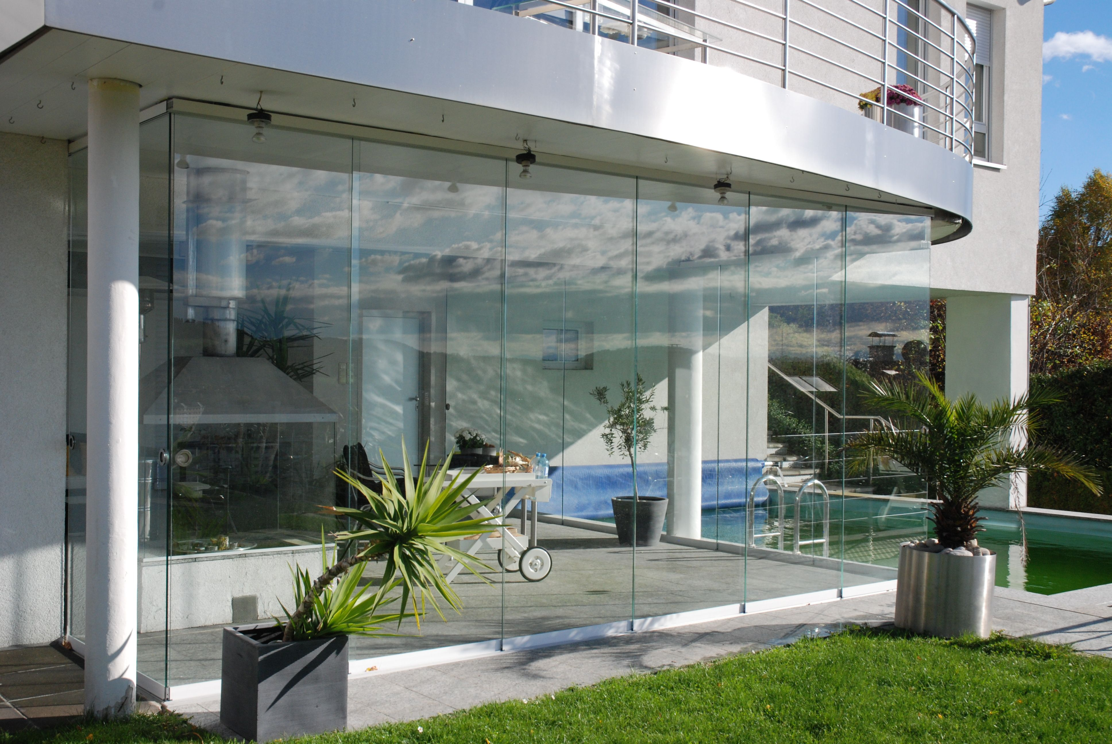 sunflex schiebeverglasung f r poolhaus in linz montiert von fenster schmidinger aus. Black Bedroom Furniture Sets. Home Design Ideas