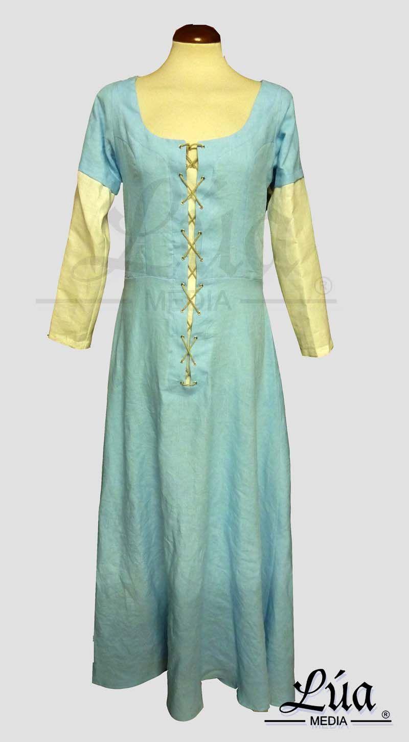 Vestido confeccionado en lino color azul, tintado a mano. Esta tipología de vestido fue usada durante el siglo XV.