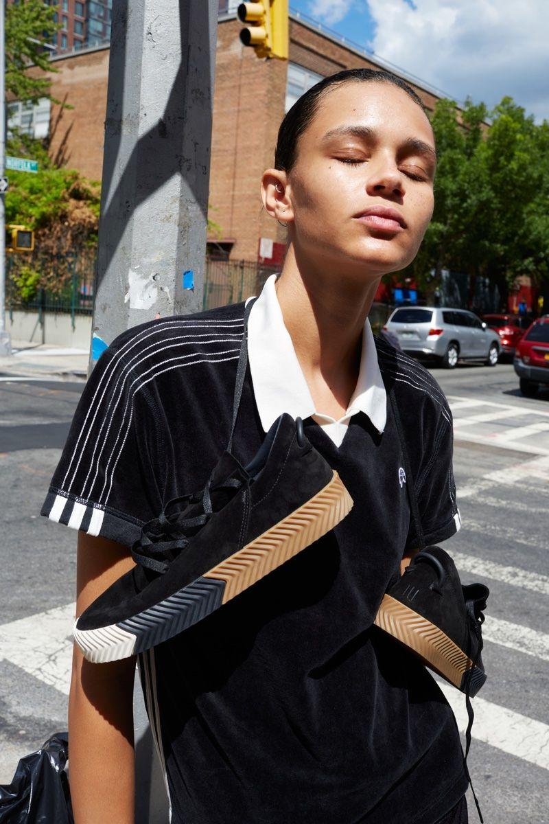 Alexander wang lookbook adidas originali annuncio le ragazze