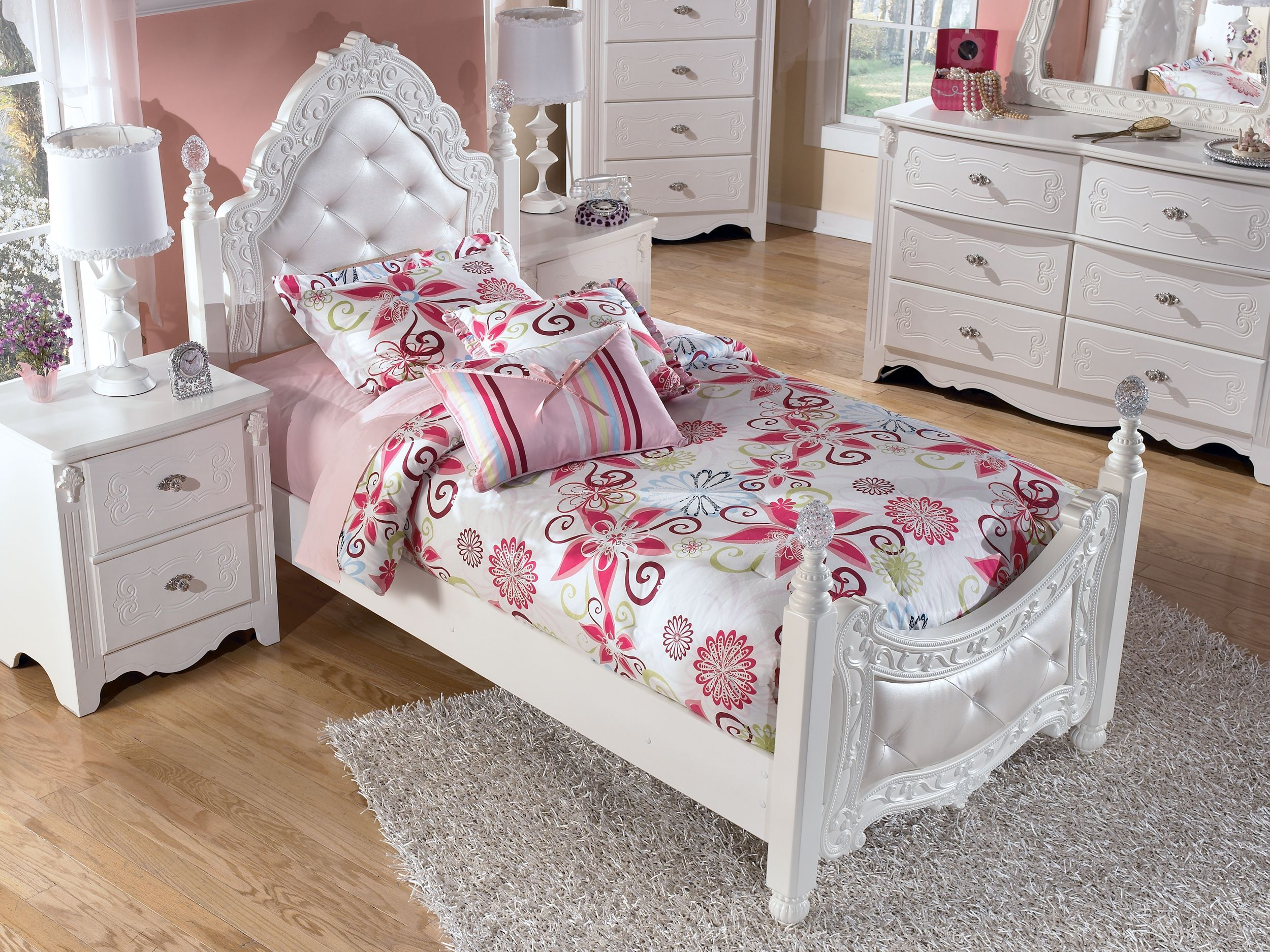 Best Exquisite Nightstand White White Furniture Bedroom 400 x 300