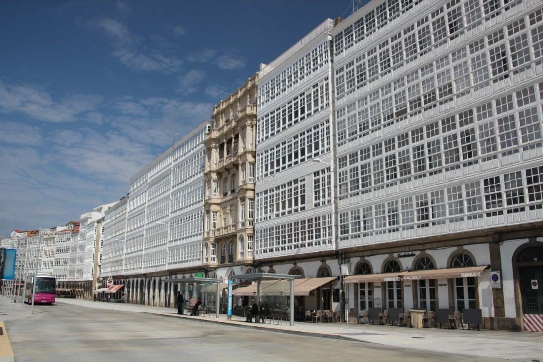 9 Me Gusta 0 Comentarios Jose Bb Jose Fisterra En Instagram Galerias Galeriasdearte Acoruña Galicia Galic Building Multi Story Building Structures