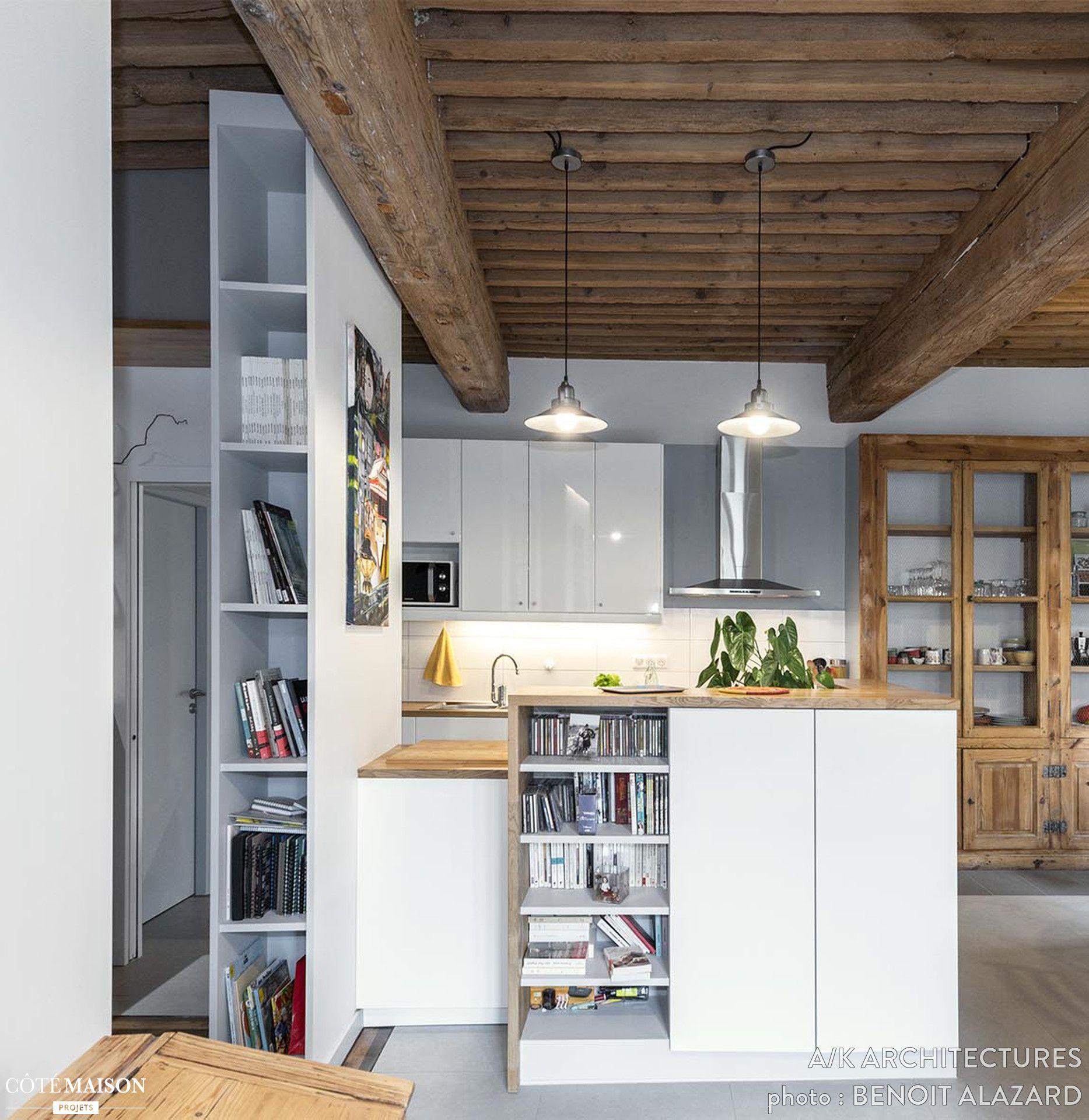 Une Cuisine Moderne Et Astucieuse Dans Une Maison Avec