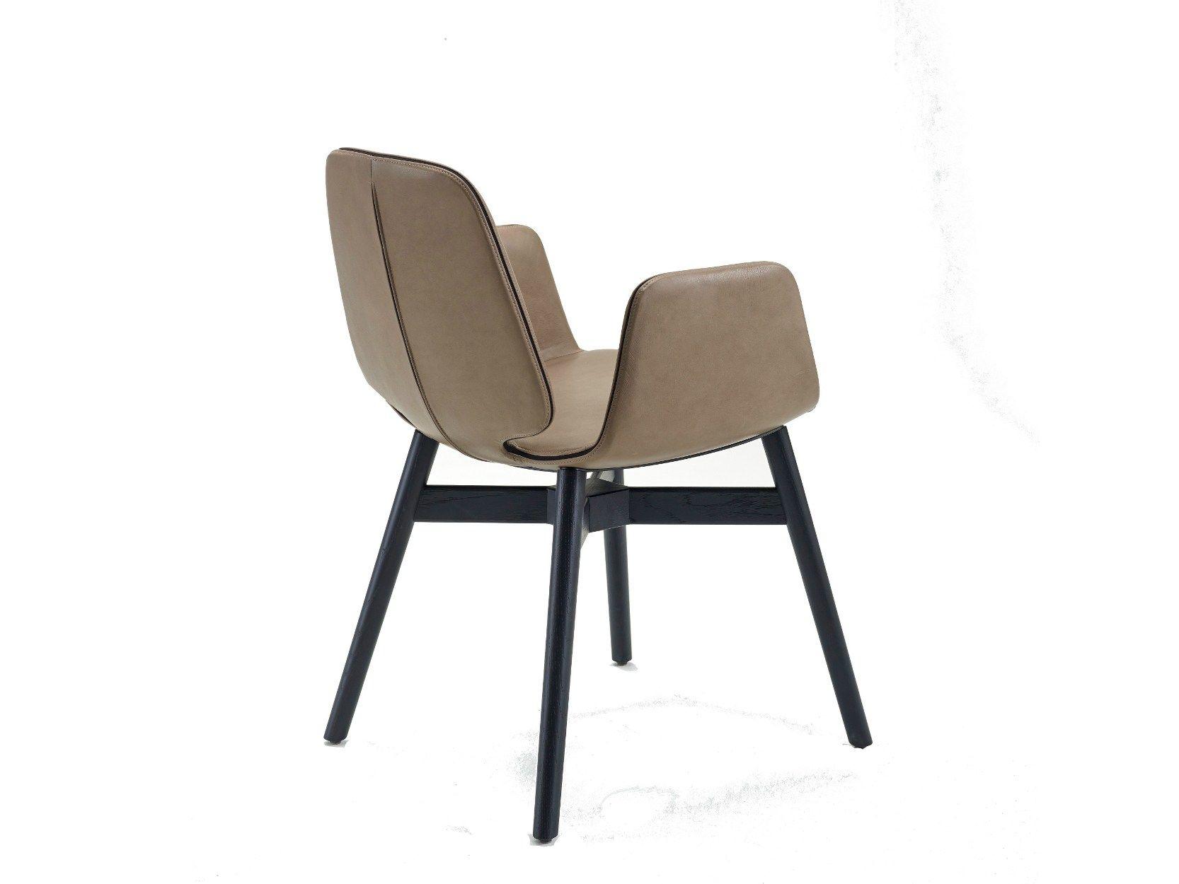 Tilda Chaise Avec Accoudoirs By Freifrau Design Birgit Hoffmann Christoph Kahleyss Chaise Salle A Manger Chaise Accoudoir Chaises Rembourrees