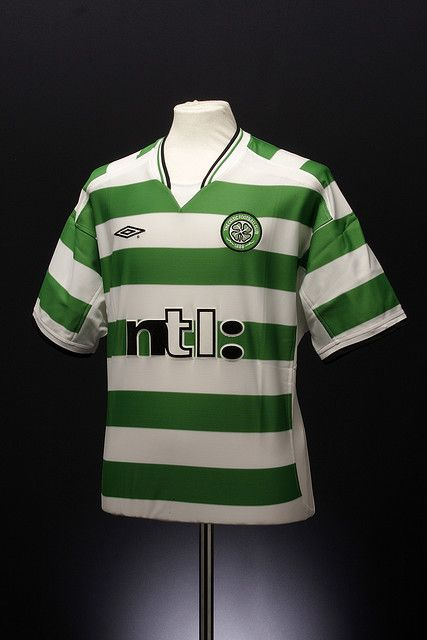 00a5a79e7 Celtic Football Shirt (home