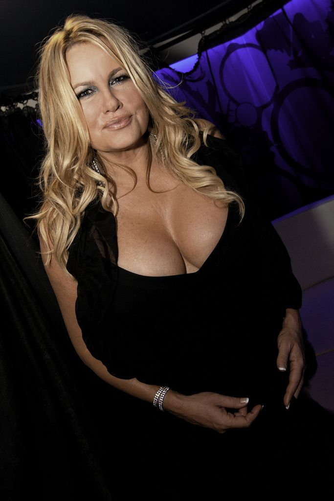 Think, jennifer coolidge bikini photos all can