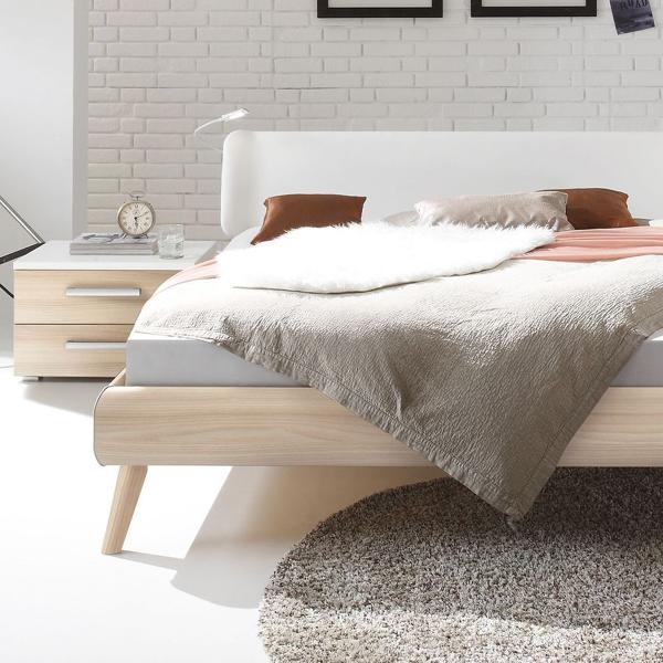 Bett Im Skandinavischen Design Mit Kunstleder Kopfteil Labrea Bett Holz Skandinavisches Design Schlafzimmer Einrichten