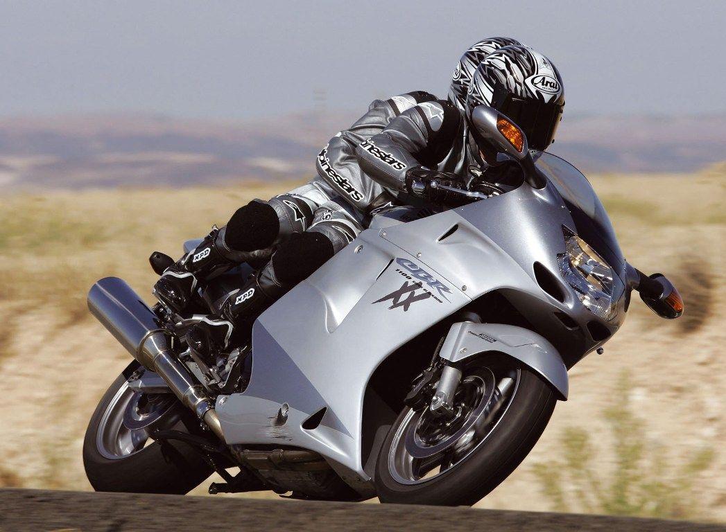 Honda CBR1100XX Super Blackbird 4th fastest bike in the world