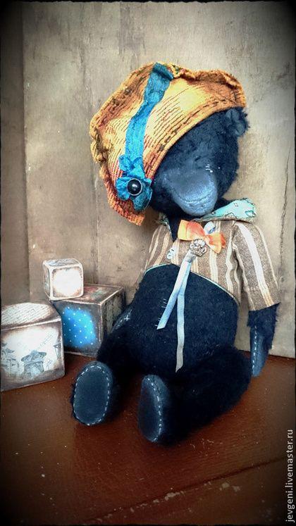 BLACK ADMIRAL - чёрный,винтаж,винтажный стиль,коллекционная игрушка,авторская игрушка