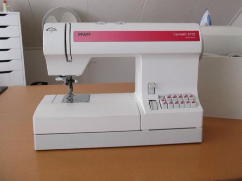 Pfaff tipmatic 6122 sewingmachine i have one i learned to sew on knives fandeluxe Choice Image