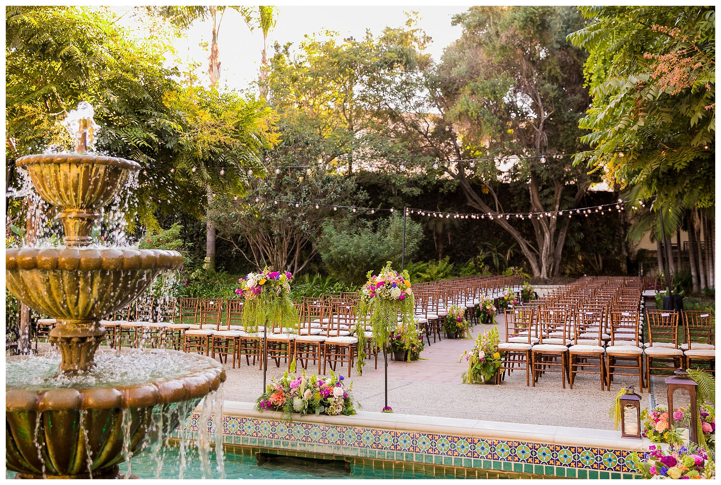 426fe68105b580d5b19f97846d497221 - Los Angeles River Center And Gardens Wedding Photos