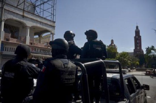Detienen a policías de Veracruz saqueadores - http://www.esnoticiaveracruz.com/detienen-a-policias-de-veracruz-saqueadores/