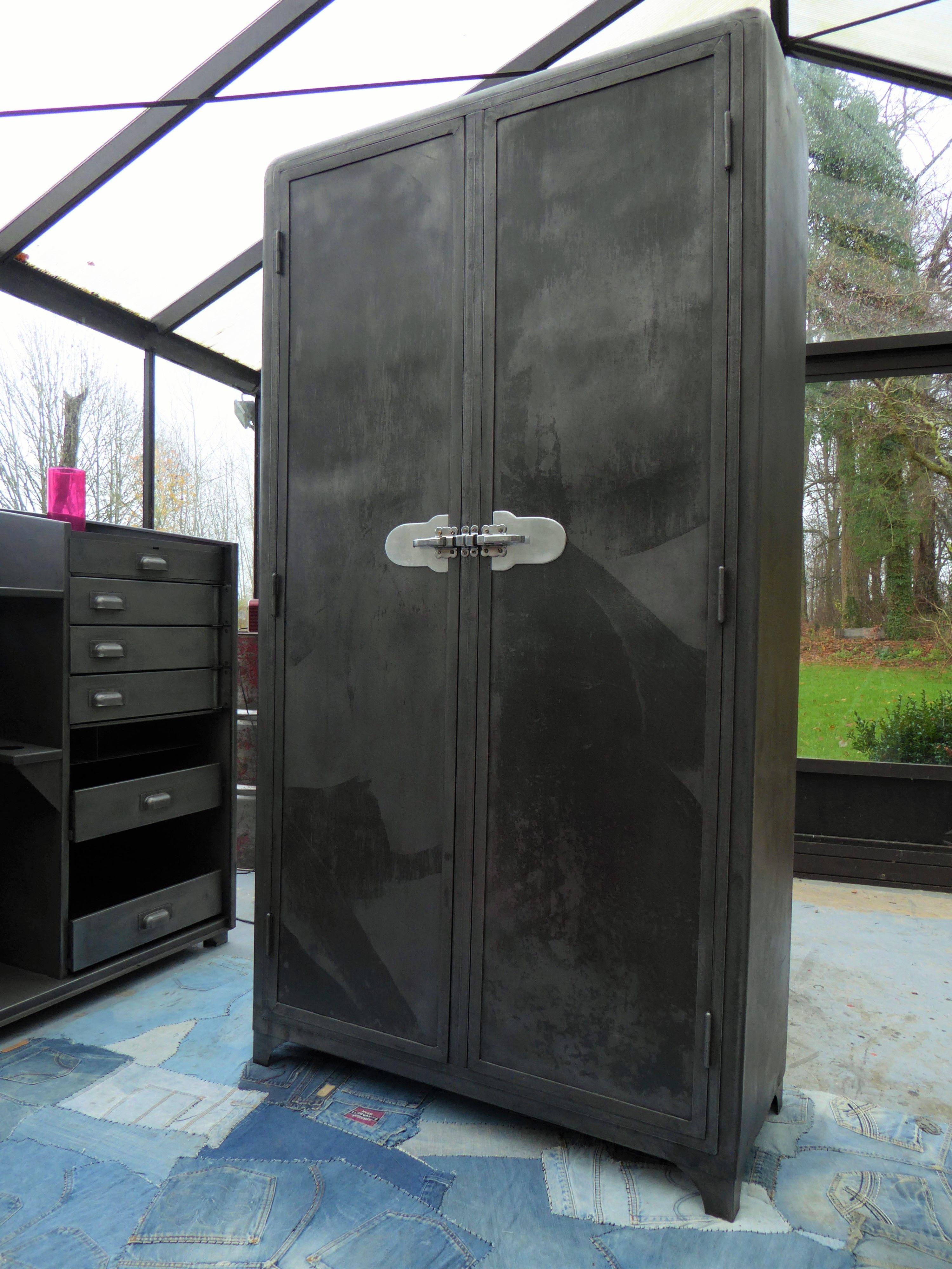 luxe armoires de cuisine en m tal vintage kgit4 appareils de cuisineappareils de cuisine. Black Bedroom Furniture Sets. Home Design Ideas