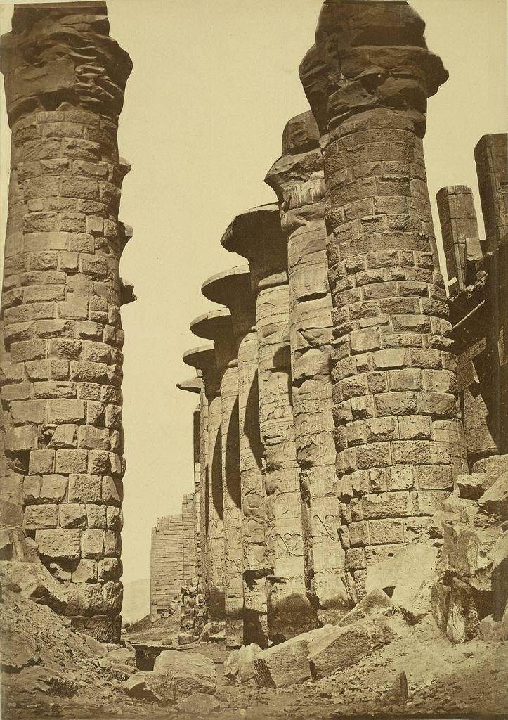 Karnak black and white
