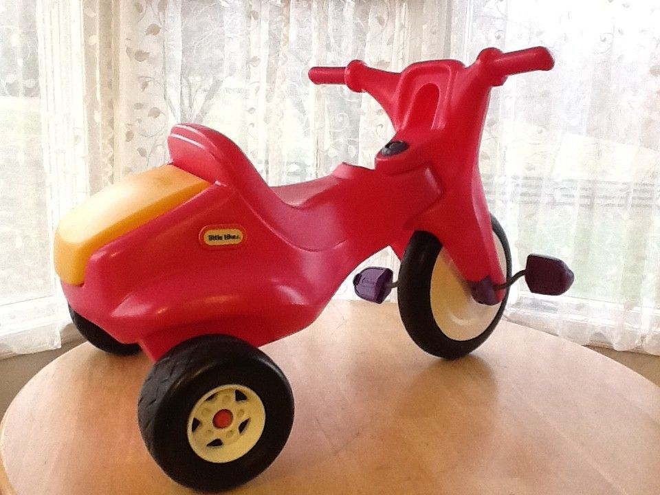 19f5a7764b3 Details about Vintage LITTLE TIKES Cruiser 3-Wheel Scooter Yellow ...