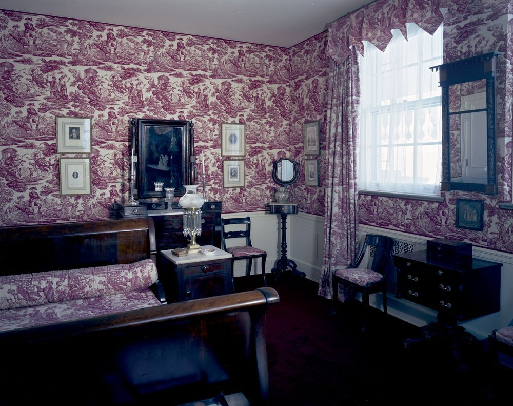Toile Wallpaper in Empire Guest Room 1962. www.pinkpillbox ...