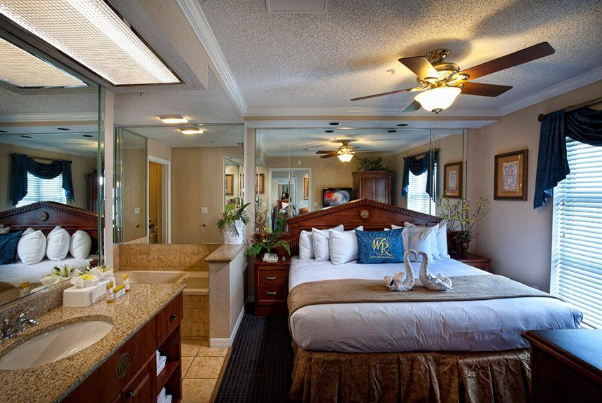 4 Day/ 3 Night Orlando Holiday Package Book your magical