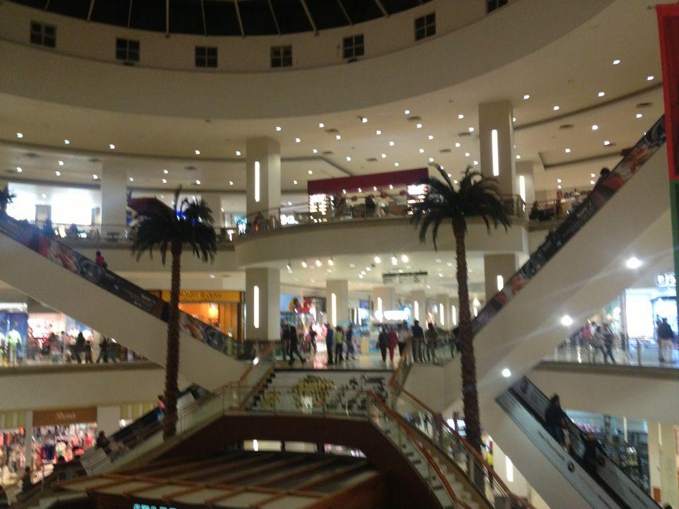 La Gran Plaza Fashion Mall Mall Plaza Spacious