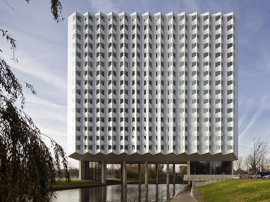 DUWO student housing, Balthasar van der Polweg, third tower, TU Delft campus, architect: Zwarte Hond Delft
