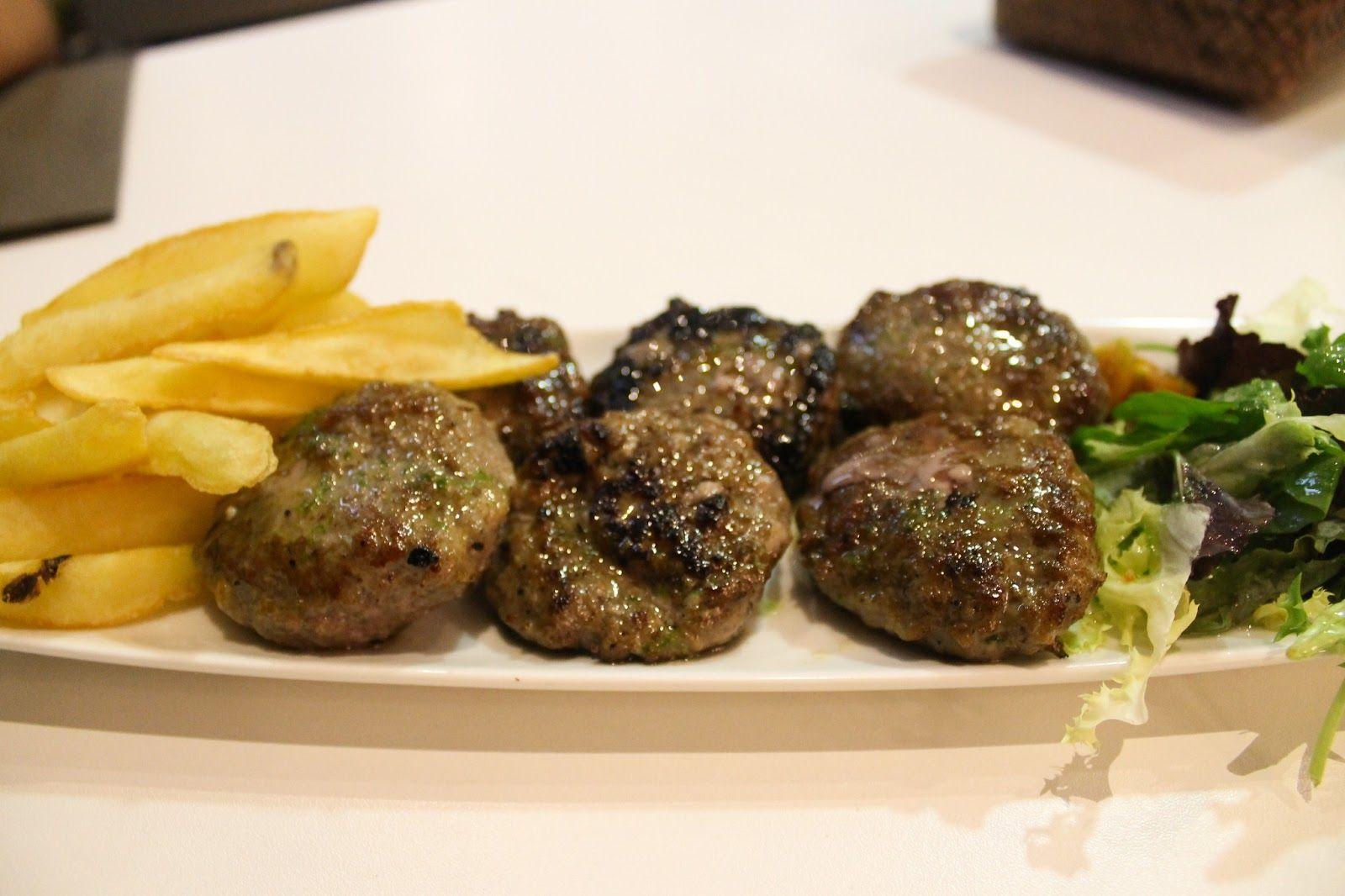 Surtido de minihamburguesas: Dijon, Cabrales y Boletus - Hatari Urban Kitchen, Bilbao