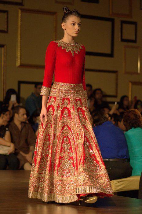 Manish Malhotra Indian Couture Week 2014 - Bridal #wedmegood | India ...