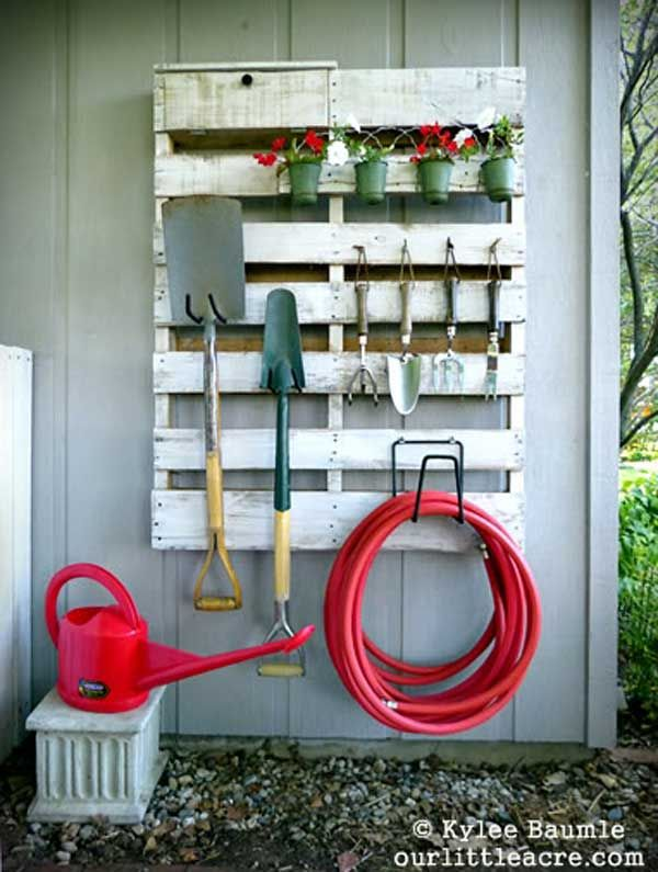 12-Creative-Ways-to-Create-Storage-in-Your-Yard-3.jpg 600×795 pikseliä