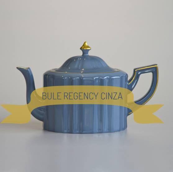 Hum... Tomar um chá ou cafezinho no fim da tarde pede uma bule à altura, rs! Confira essa peça linda para o seu jogo de louças: http://www.casadevalentina.com.br/produtos/detalhes/bule-regency-cinza-32385 #decor #decoracao #interior #design #casa #home #house #idea #ideia #detalhes #details #style #estilo #casadevalentina