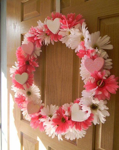 Valentine's+Day+Candy+Wreaths | Valentine's Day Wreaths // I would write Valentine candy sayings on ...