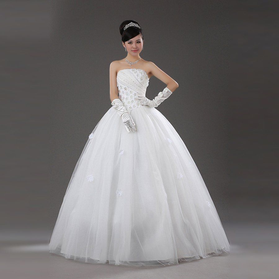 The trendy Best Wedding Dress Brands Sweetheart label comes this ...