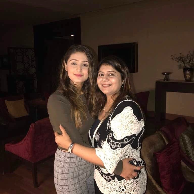 Dhvani bhanushali with her mother bollywood celebrities