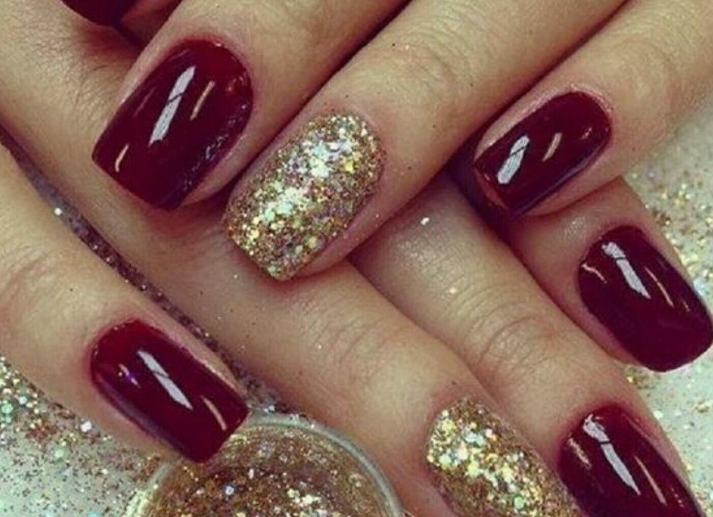 Mani with Gold Accent Nail. | ME! | Pinterest | Accent nails