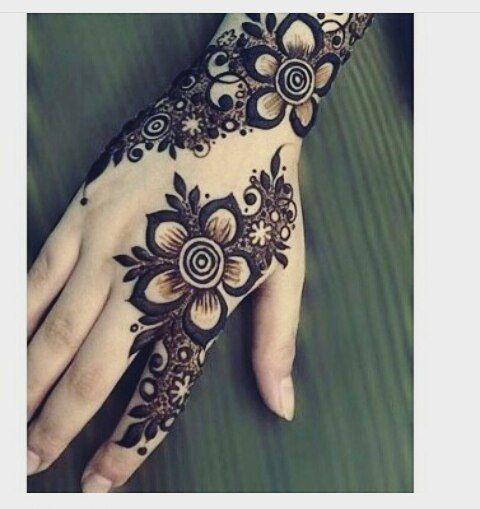 Pin By Azra On نقوشات Henna Designs New Mehndi Designs Bridal Mehendi Designs Hands