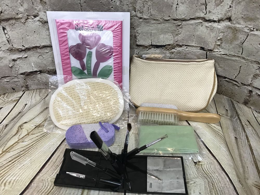 AVON liiv Botanicals Bamboo Shower Set lot Pumice Makeup