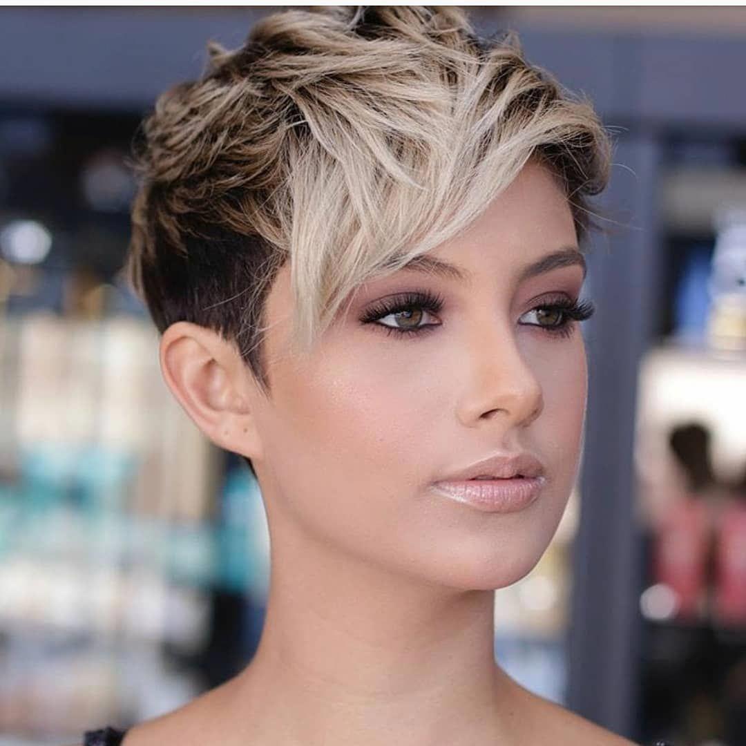 10 Feminine Pixie Haircuts Ideas For Women Short Pixie Hairstyles 2020 In 2020 Stylish Short Haircuts Super Short Hair Pixie Haircut