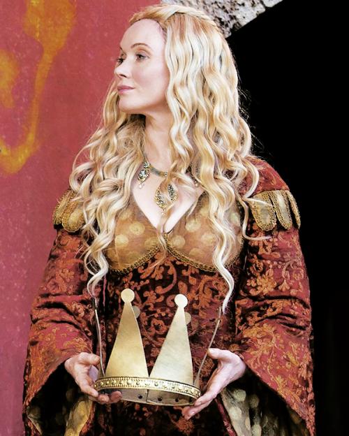 "Lady Crane as ""Cersei"" (6x5 The Door)"
