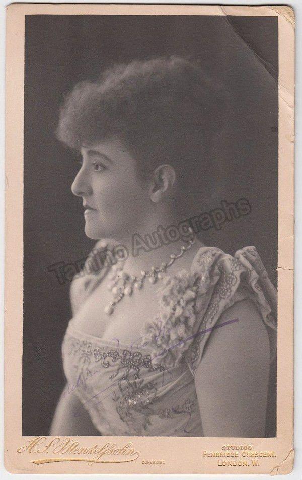 Patti, Adelina - Signed Cabinet Photo