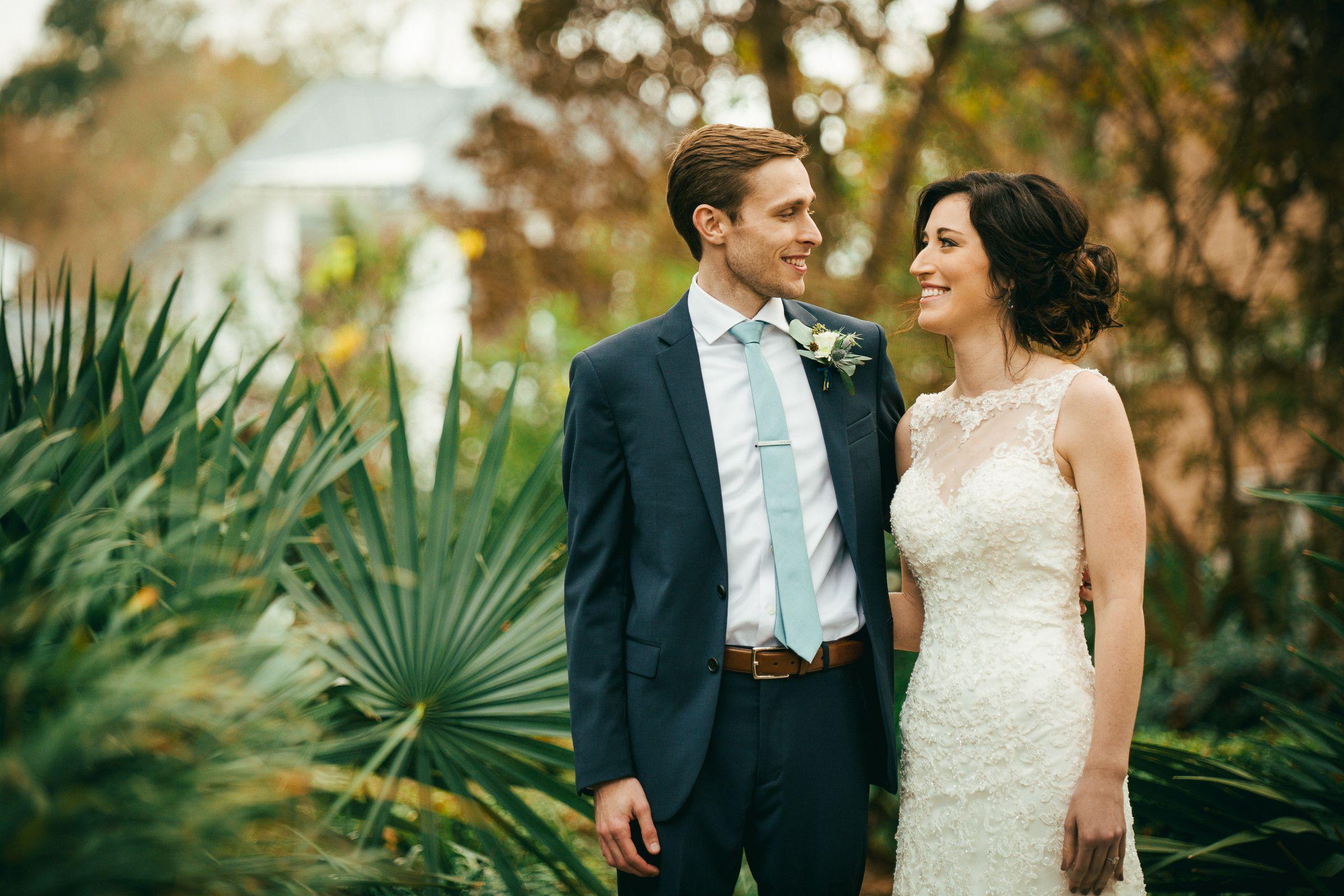 Bright And Vivid Wedding Photography By Charleston Sc Wedding Photographer And Bustld Vetted Vendor James Brindley S Ca Wedding Scene Wedding Plan Your Wedding
