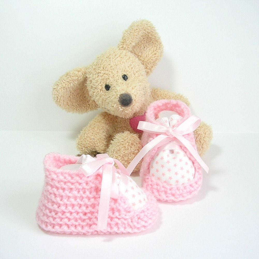afca1837b0deb Chaussons bébé blancs et roses avec tissu étoiles 0-3 mois Tricotmuse    Mode Bébé par tricotmuse