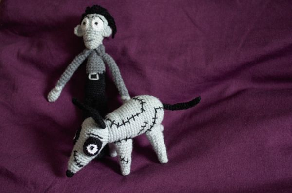 Figurines décoratives, Figurines décoratives Victor et Frankenweenie est une création orginale de Doomyflocrochet sur DaWanda