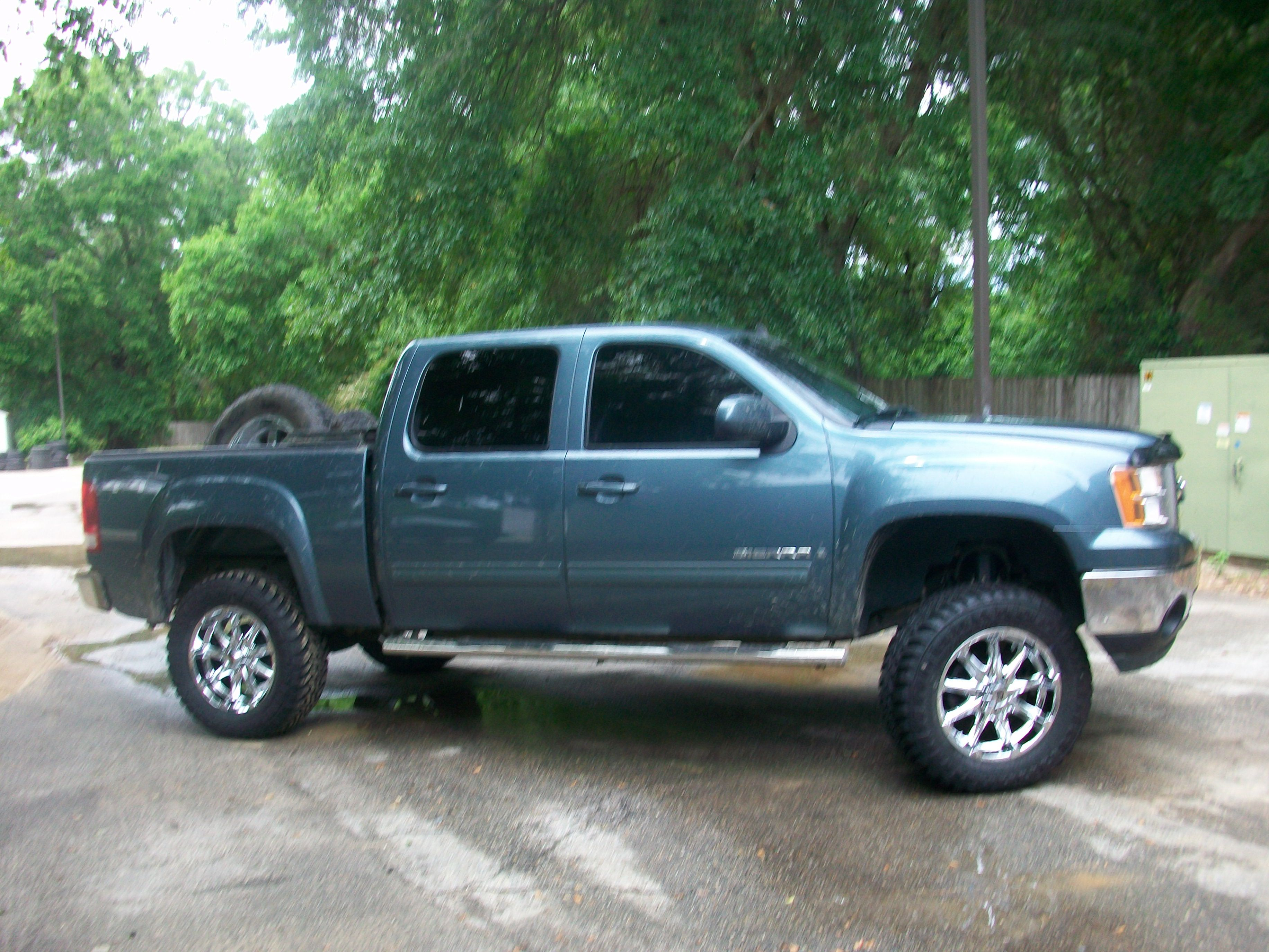 Check out Barkley Moody s 2007 GMC Sierra 4X4 sporting new wheels
