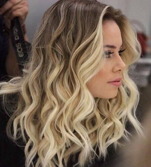 Wavy Hairstyles 2019 For Women To Look Magical And Trendy In 2019 Styles Boost Brown Blonde Hair Blonde Highlights Brown Hair With Blonde Highlights