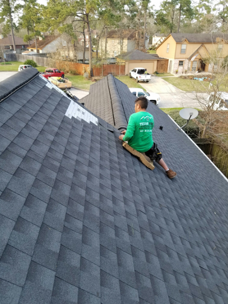 Roof Spring The Woodlands Texas Home Exteriors Roofing Contractor Roof Shingle Options Residential Roofing House Exterior