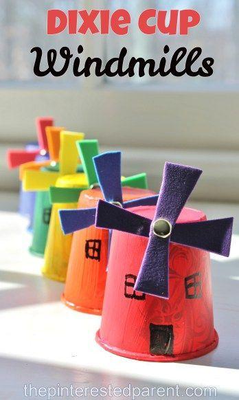 Lindos molinos de viento para hacer con vasitos plásticos.