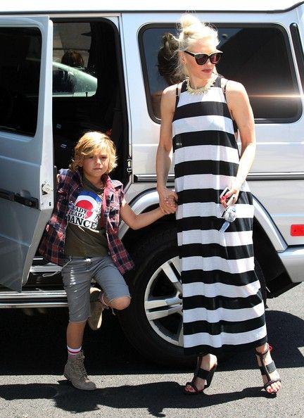 Gwen Stefani With Her Mercedes Benz G55 Gwen Stefani