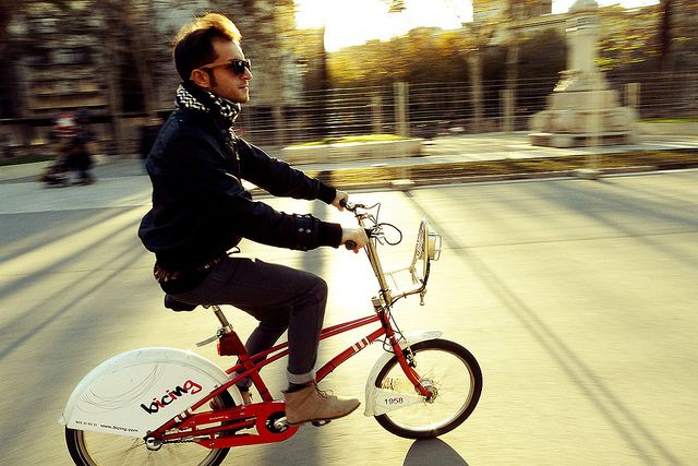 bicing by Barcelona Cycle Chic, via Flickr