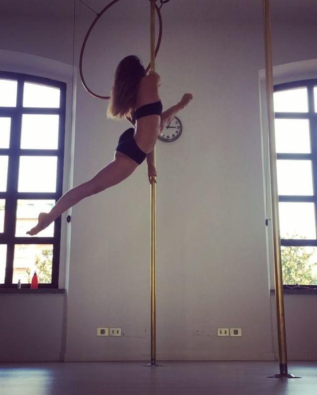 pole dance 56