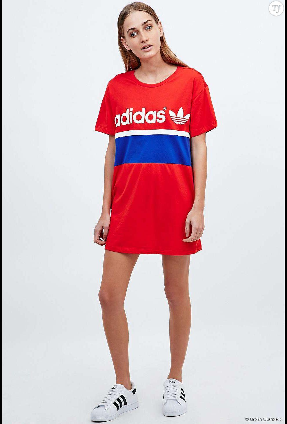 2fa5fd58cbdd9 PHOTOS - Robe tshirt Adidas sur Urban Outfitters , 45€.   ROBES O ...